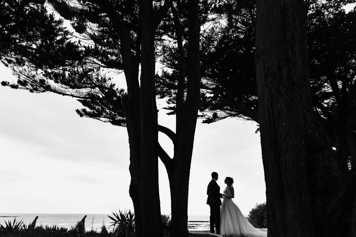 portrait couple mariés mariage wedding Ile de noirmoutier hotel Punta Lara Jeremy Fiori wedding photographer