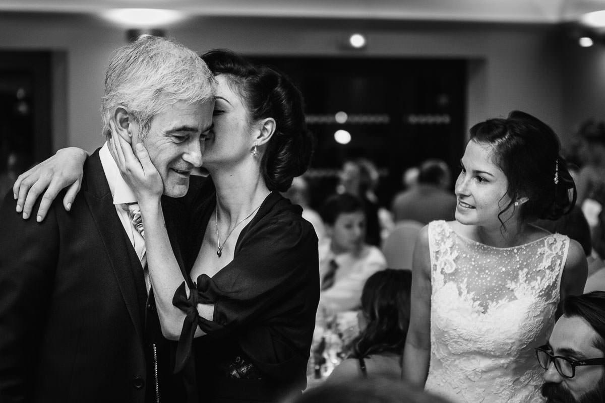tendresse mariage mariée famille émotion jeremy fiori wedding photographer