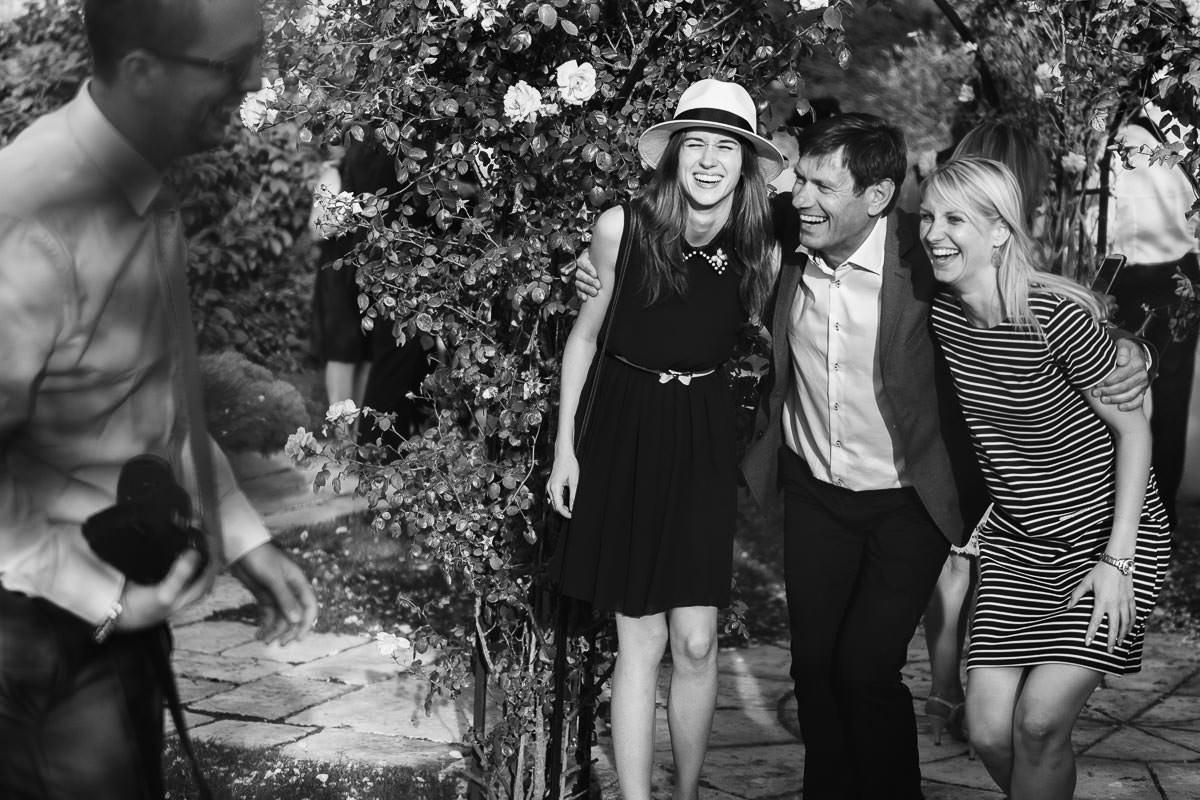Fun cool wedding cocktail drole extérieur mariage vin d'honneur Jérémy Fiori