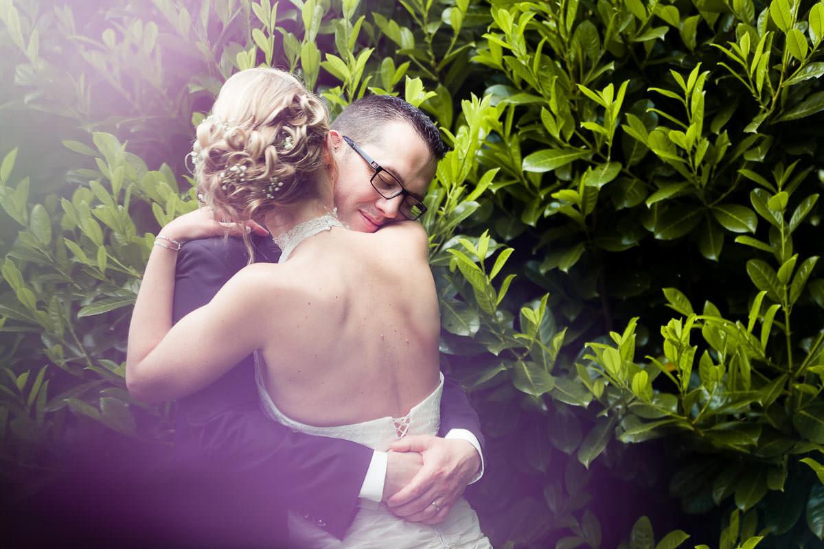 Portrait de couple mariés photographie Jérémy Fiori photographe de mariage