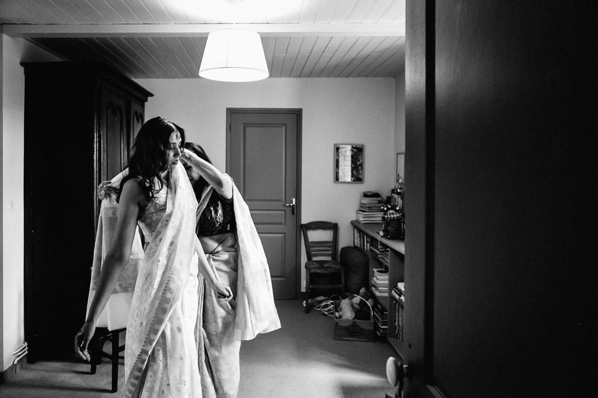 Getting ready Pakistani bride Jeremy Fiori french wedding photographer
