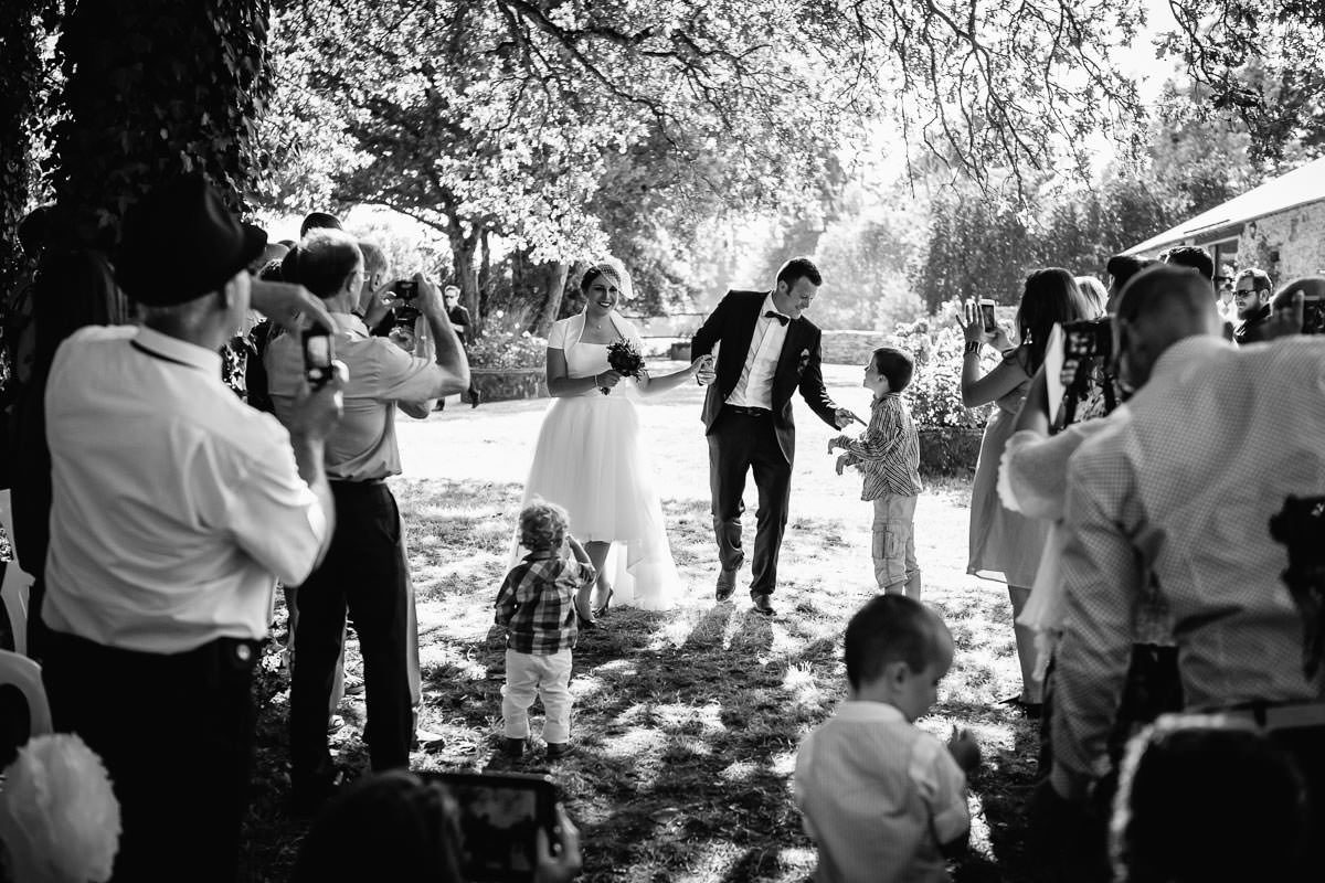 Wedding at domaine du bois d'Andigné laic ceremony by Jeremy Fiori french wedding photographer