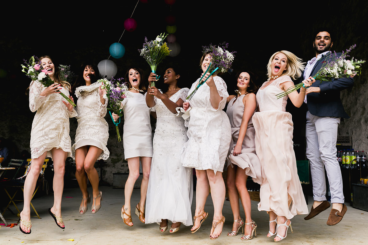 Photo de groupe mariage - © Jeremy Fiori