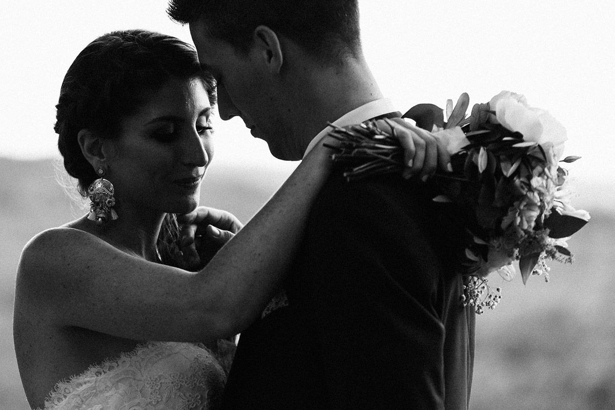 Bride groom Portrait at château de chassagny © Jérémy Fiori photographe angers