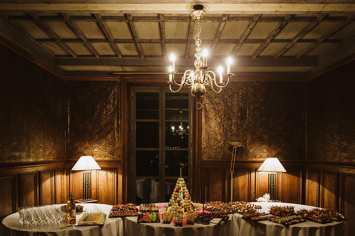Table des desserts de mariage au château de chassagny © Jérémy Fiori photographe angers