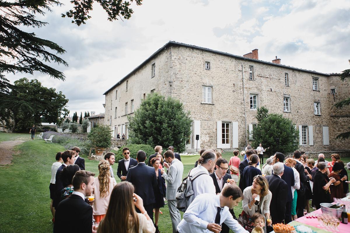 Cocktail mariage au chateau de chassagny © Jérémy Fiori photographe angers