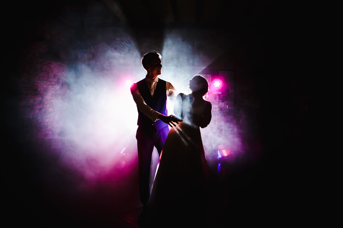 First danse © Jeremy Fiori Loire Valley Wedding photographer